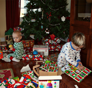 Boys_opening_presents